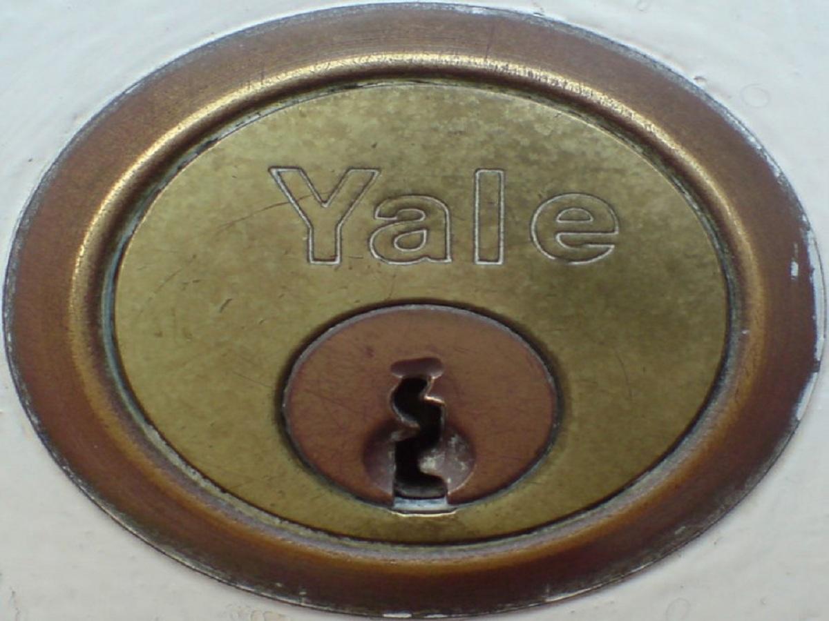 Certified car locksmith St Louis