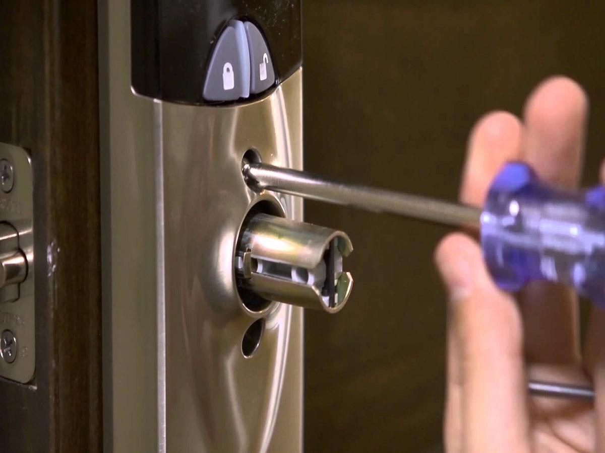 automotive locksmith supplies St Louis