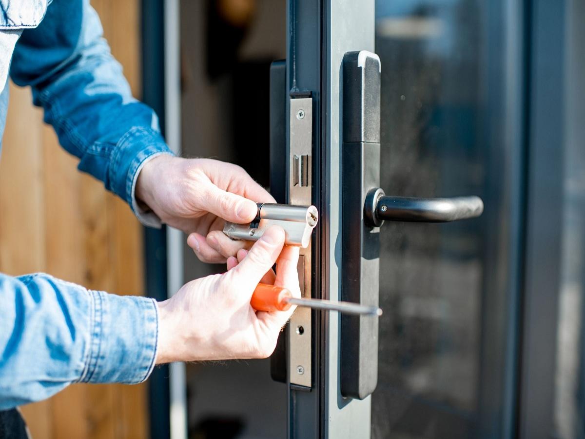 locksmith equipment St Louis